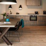 Keller keuken naaldhout