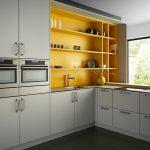 Grijs gele keuken